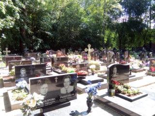 Захоронения на Малоохтинском кладбище